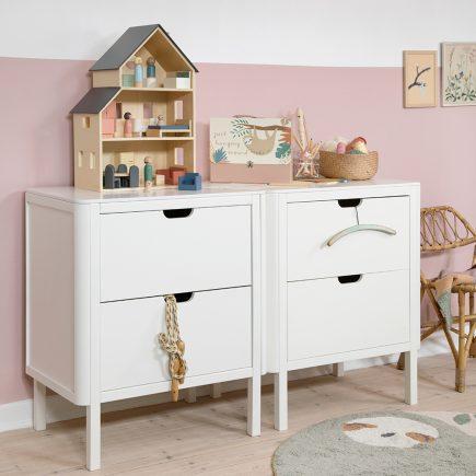 Sebra Commode 2 lades classic white lifestyle