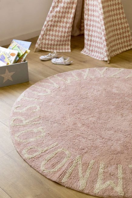 Rond vloerkleed ABC in pink natural1