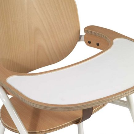 Kinderstoel TIBU white met tafel in beuken en leren strap