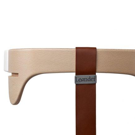 Leander kinderstoel safety bar natural strap brown