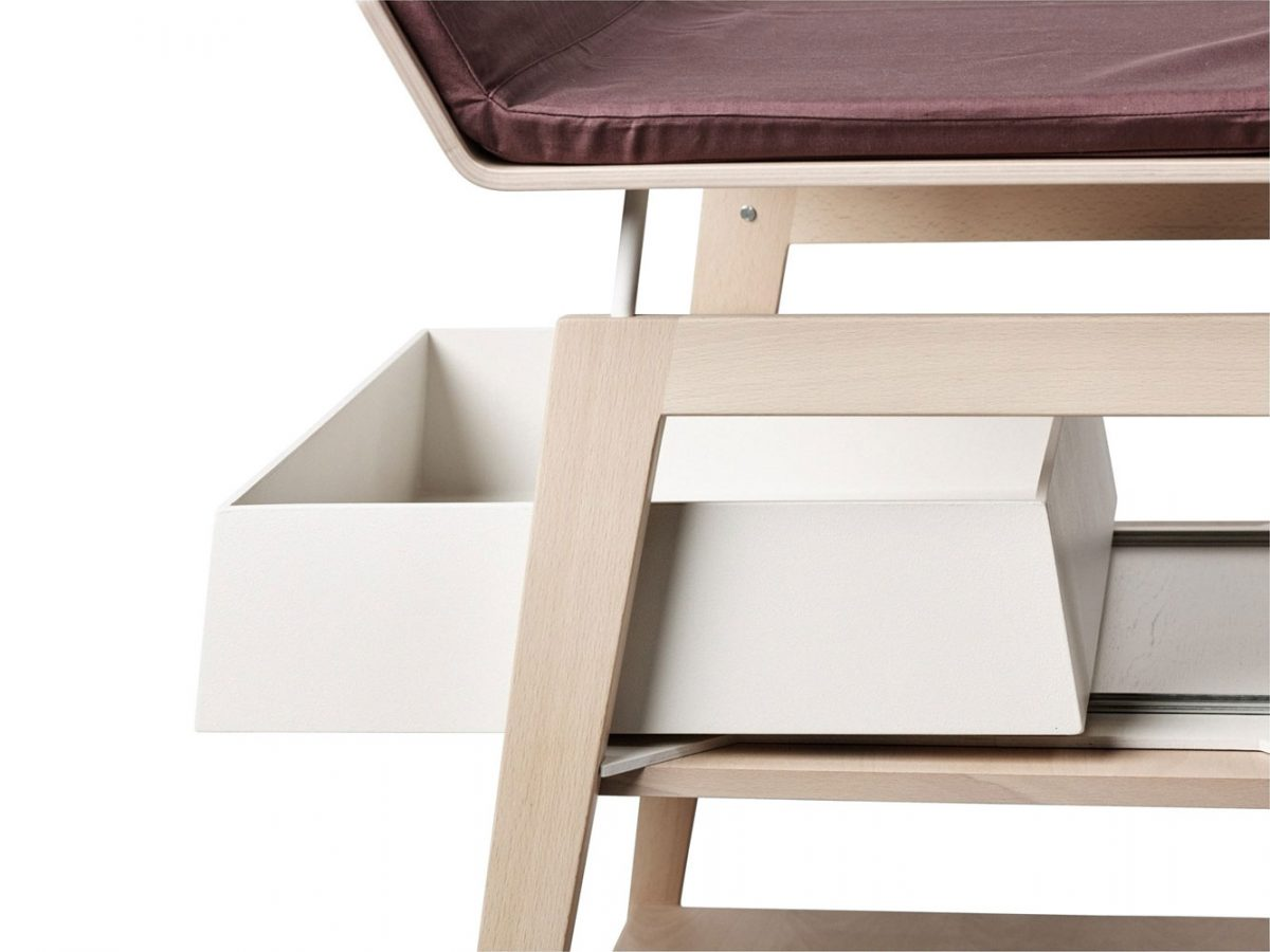 Leander Changing table Linea beech met storage box