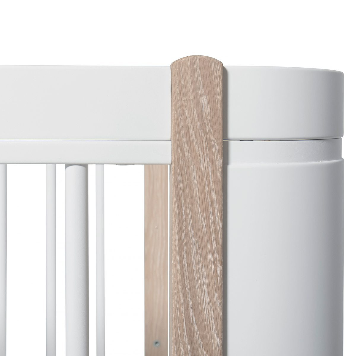Oliver Furniture Ledikant Wood Mini+ white oak detail