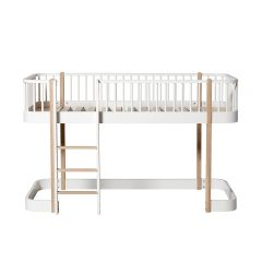 Oliver Furniture low Loft bed Wood white oak ladder links voor