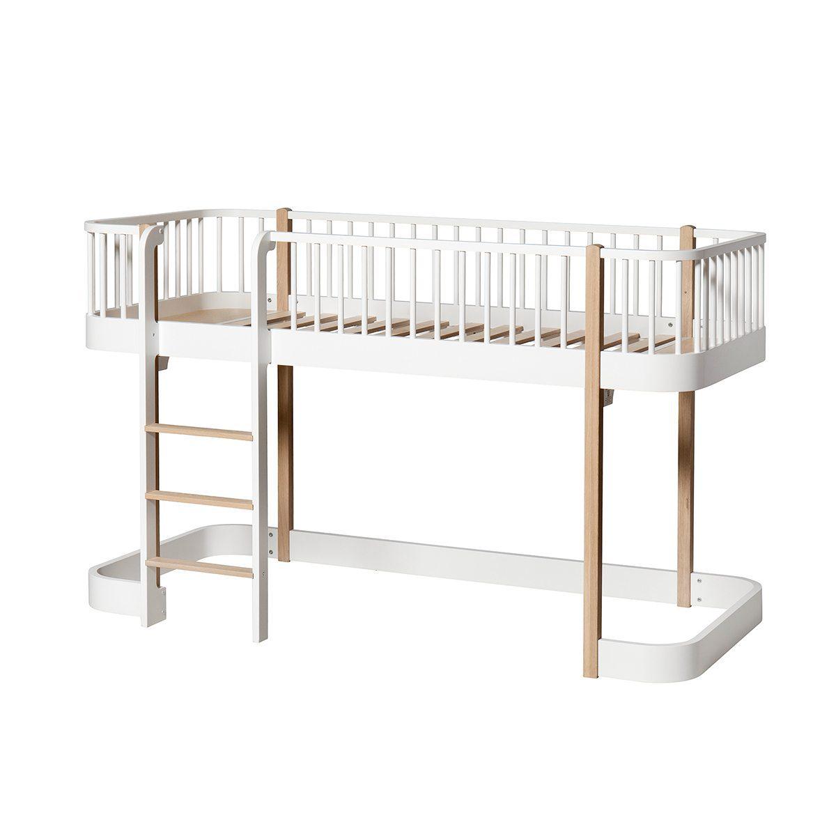 Oliver Furniture low Loft bed Wood white oak ladder links voor