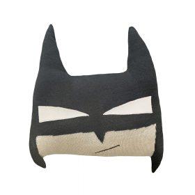 Woolable – Edgar Plans Wollen Sierkussen – BatBoy – 30 x 35 cm